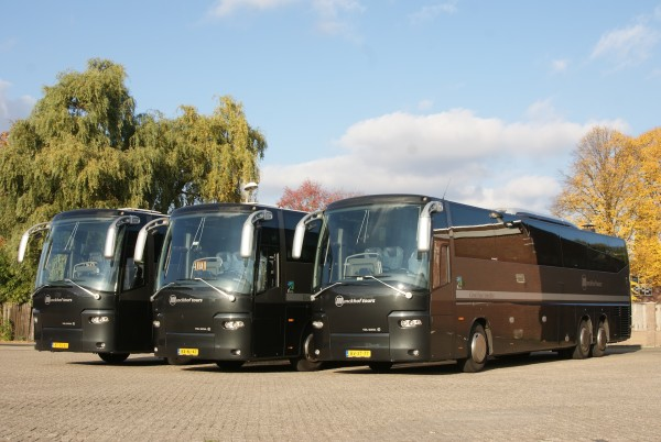 Luxe touringcars 60 pers.